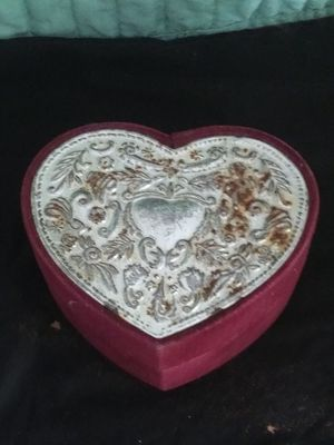Godingor mini velvet jewelry box for Sale in Port Richey, FL