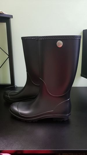 UGG black Rain boots, black sz 10 for Sale in Alexandria, VA