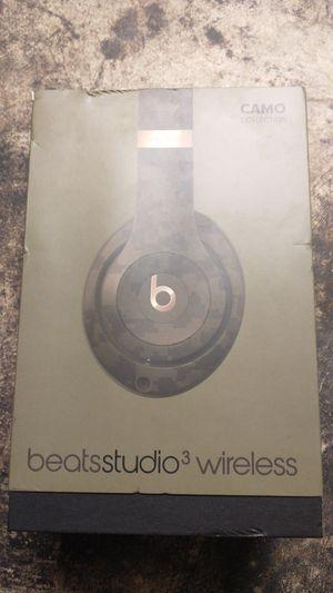 beats Studio wireless 3 for Sale in Bakersfield, CA