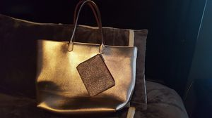 Large Gold Tote w/ makeup bag for Sale in Tarentum, PA