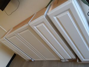 4 WALL HUNG KITCHEN CABINETS for Sale in Glendale, AZ