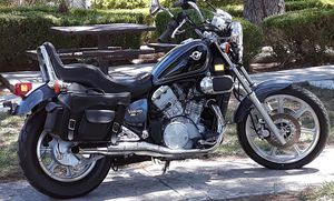 SELL KAWASAKI VULCAN 750 2000 CLEAN TITLE, VERY LOW MILLES 4400, LIKE NEW!!! for Sale in Las Vegas, NV