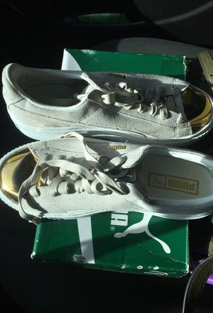 Rihanna pumas kaky gold and white womens size 8 for Sale in Tampa, FL