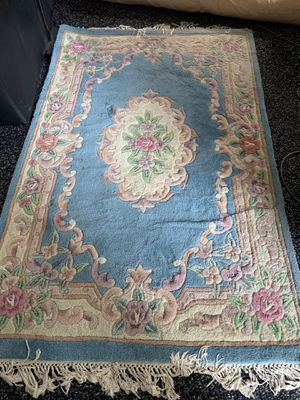 4' x 6' sculpted oriental rug for Sale in Columbia, MO