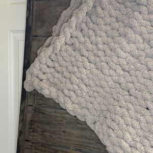 Chunky Knit Blankets for Sale in Sanger, CA