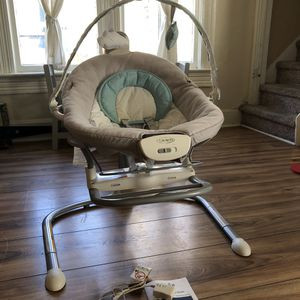 Graco baby swing for Sale in Denver, CO