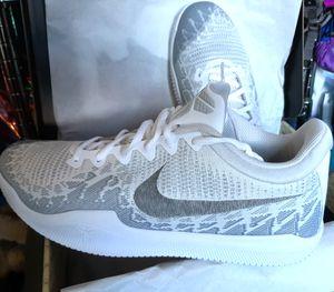 "Nike KOBE BRYANT ""Mamba Rage"" Men's size 12 White & Gray Basketball Shoes BRAND NEW for Sale in Seattle, WA"