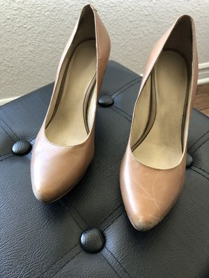 Nine West 5 1/2 size with 3 1/2 inch heel for Sale in Bellflower, CA