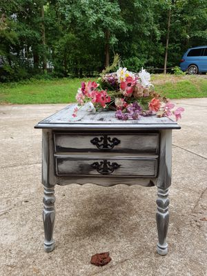 Refinished distressed end table for Sale in Mooresville, NC