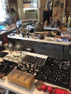 Estate sale for Sale in Fresno, CA