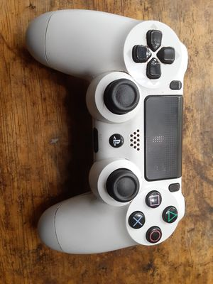 PS4 controller new condition and games sold as bundle only for Sale in Washington, DC