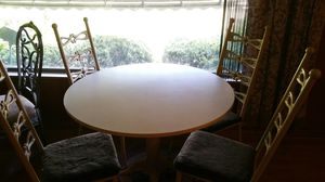 """Unique Vintage 42"""" Round Pedestal Dining Table with 4 Chairs for Sale in Seven Hills, OH"""