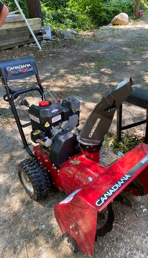 canadiana 800/24 snow blower for Sale in Framingham, MA