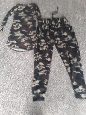 Womens camo outfit for Sale in Raytown, MO