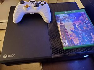 ((Xbox One)) Controller And Game, Great Conditions!!! for Sale in Avon, CT