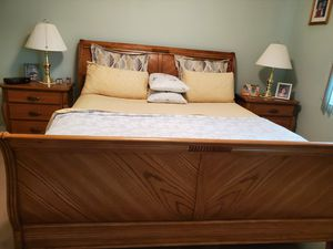 Solid wood 6 piece bedroom, king size for Sale in Ruskin, FL