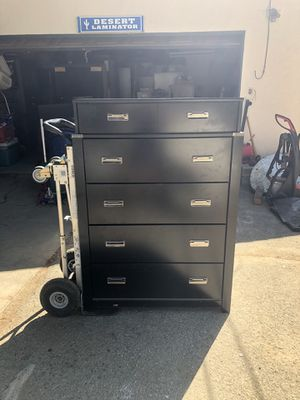 Black Dresser! for Sale in Rancho Cucamonga, CA