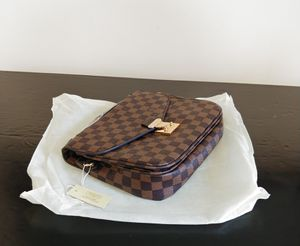Crossbody. New for Sale in Revere, MA