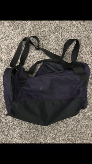 Nike duffle bag for Sale in Tolleson, AZ