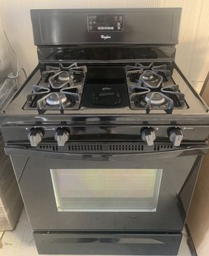 Black Whirlpool Gas Stove/Oven for Sale in Azusa, CA