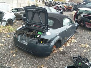 Selling Parts for a Gray 2004 Audi TT STK#1113 for Sale in Detroit, MI