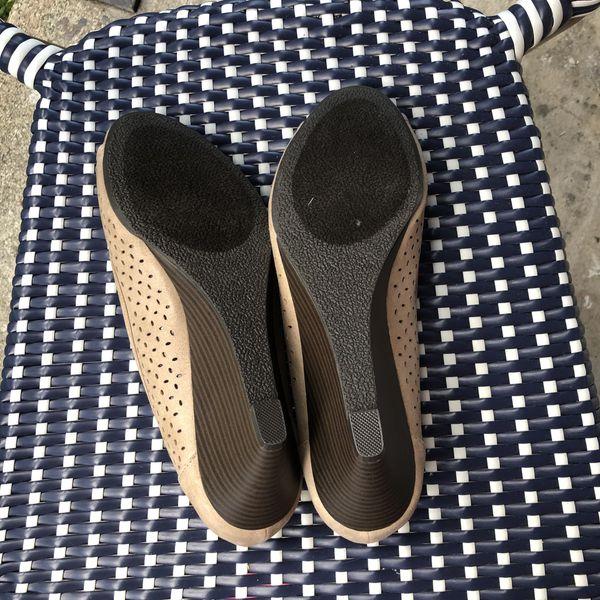 New Directions | Tan Open Toe Heels