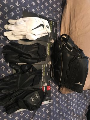 Softball Glove and accessories (read description) for Sale in Chandler, AZ