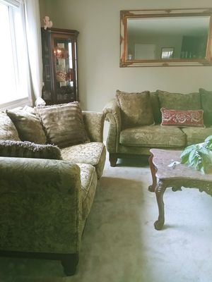 Beautiful Couch & Loveseat for Sale in Redmond, WA
