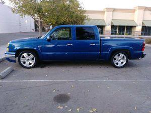 2004 Chevy Silverado 4 door, automatic pickup truck for Sale in Winton, CA