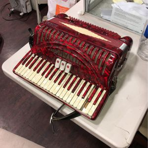 Vintage Titano Accordion Model (Ideal) Made In Italy for Sale in Los Angeles, CA