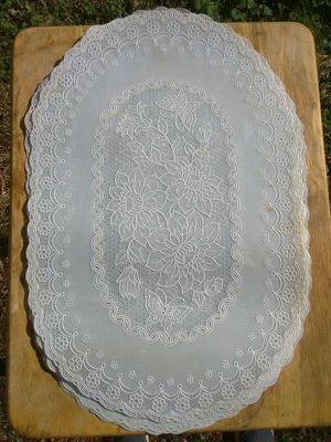 4 vinyl lace placemats for Sale in Washington, DC