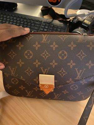 Louis Vuitton bag for Sale in College Park, GA