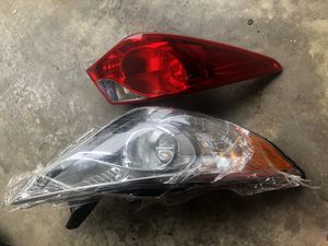 2011-2014 Hyundai Sonata driver headlight and taillight for Sale in Laurel, MD