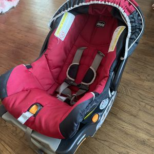 Baby Carseat Used But In Clean Excellent Condition for Sale in Lawndale, CA
