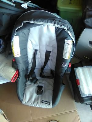 Infant car seat for Sale in Huachuca City, AZ