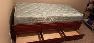 3 drawer Wood Twin bed for Sale in Hesperia, CA