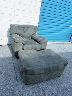 Overstuffed chair for Sale in Auburn, IN