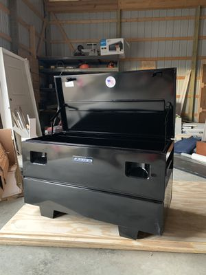 Lund 48 inch job box for Sale in Columbus, OH