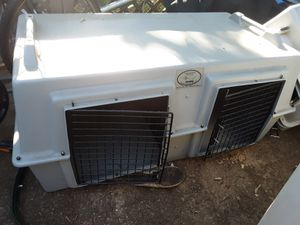 Dog Kennel.. Easy Loader. Two dog vehicle box. 42L x 21 H x 31 diameter. Worth $349 when NEW!! for Sale in Raleigh, NC