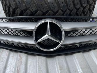 Mercedes Benz Grille for Sale in San Antonio,  TX