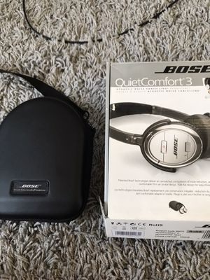 Bose Quiet Comfort 3 QC3 Noise Canceling Headphones + PS4 mic cable for online gaming for Sale in Los Angeles, CA