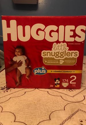 Huggies size 2 little snugglers diapers/pañales for Sale in Los Angeles, CA