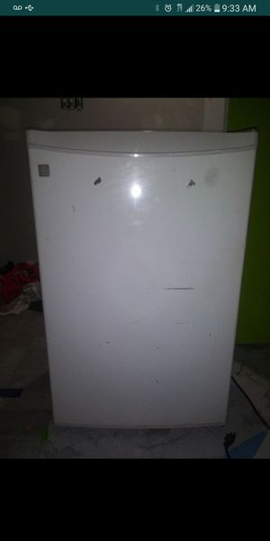 Mini Fridge Works Great ( Needs Cleaned ) for Sale in St. Louis, MO