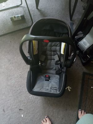 Infant car seat for Sale in Tallahassee, FL