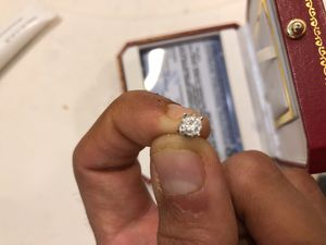 Single diamond earring .25 DTW for Sale in Chicago, IL
