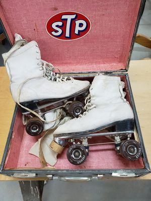 Vintage roller skates and case for Sale in Kennewick, WA