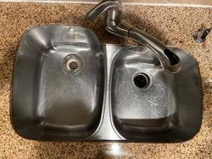 Under mount kitchen sink & Insinkerator for Sale in Cypress, TX