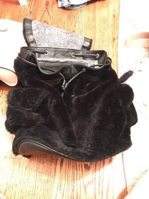 Steve Madden black fuzzy backpack for Sale in Cleveland, OH