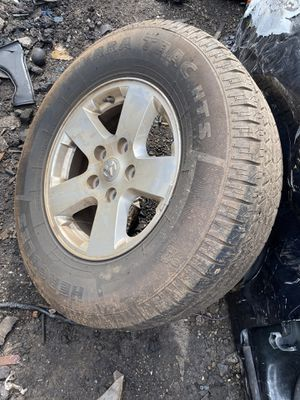 Dodge Ram 2013 rims and tires for Sale in Miami Gardens, FL