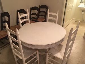 Kitchen table and 4 chairs. Make me an offer for Sale in Greenville, NC